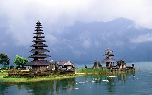 INDONESIA – BÍ ẨN ĐẢO RỒNG